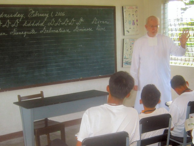 "<h3> Splash</h3>    <a href=""http://dlsaanc.org/splash/"">Bro. Felix Teaching at Bahay Pag-Asa</a>"