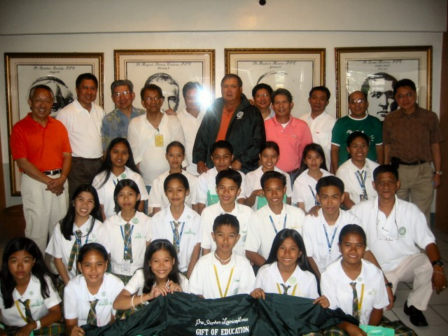 "<h3> Splash</h3>  Rabisa scholars in a group photo with officers of DLSAANC and members of the main sponsoring class, La Salle Lipha HS'75.  <a href=""http://dlsaanc.org/splash/"">Rabisa Scholars Group Photo</a>"